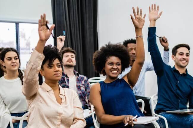 Vote à main levée en copropriété